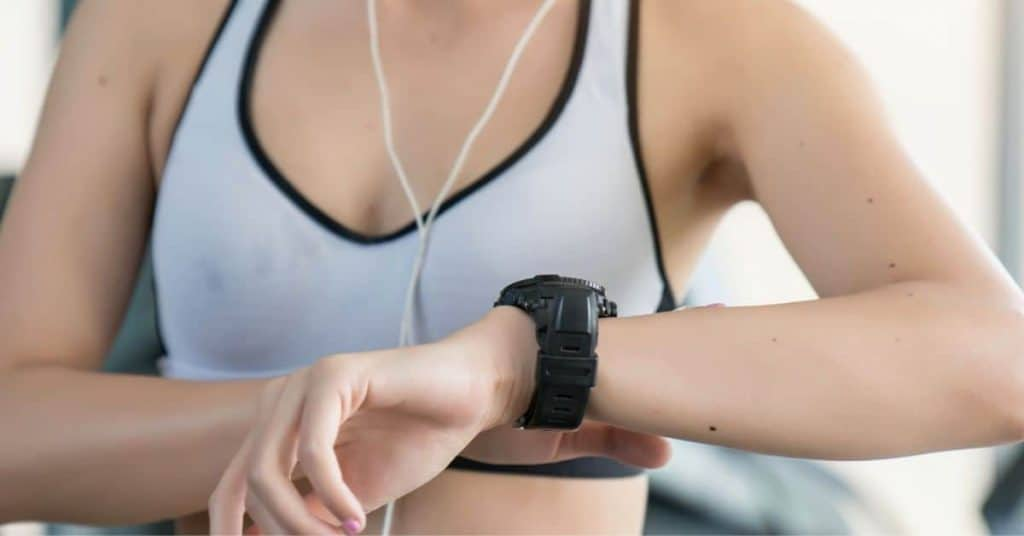 5 Best Fitness Tracker for Ellipticals in 2021 (In-Depth Review)